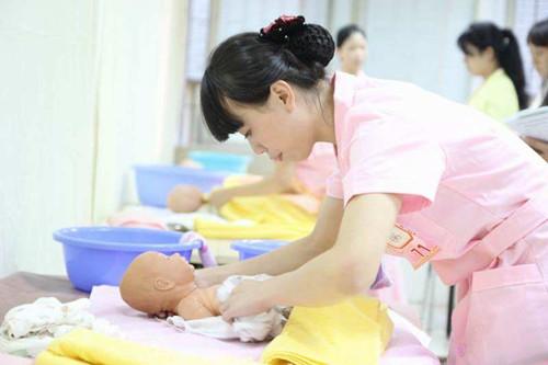 育婴师报考费用