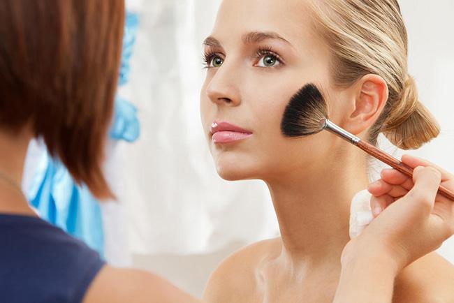 彩妆流程图片